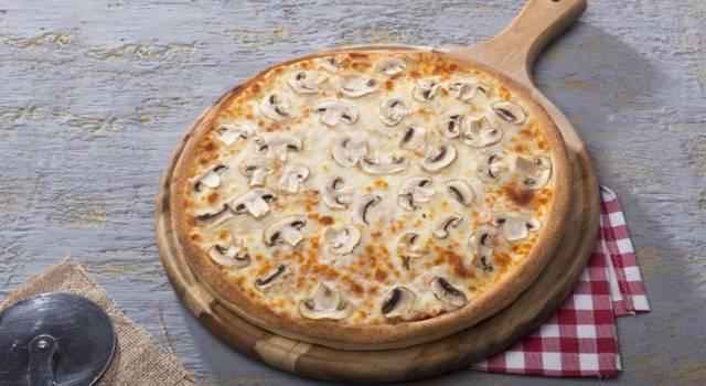 Pizza con funghi e gorgonzola: semplicemente buonissima!