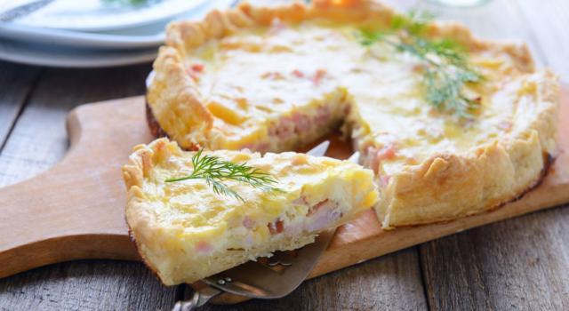Un classico del pranzo al sacco: la torta salata prosciutto e formaggio