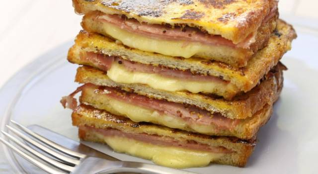 Monte Cristo Sandwich: una vera bontà (con prosciutto e formaggio)!