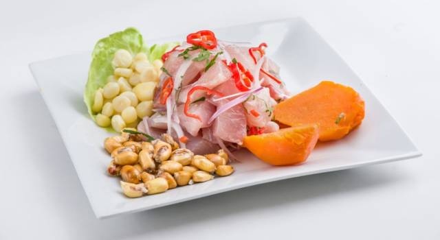 Amanti del pesce, ecco la ricetta per voi: il ceviche peruviano!