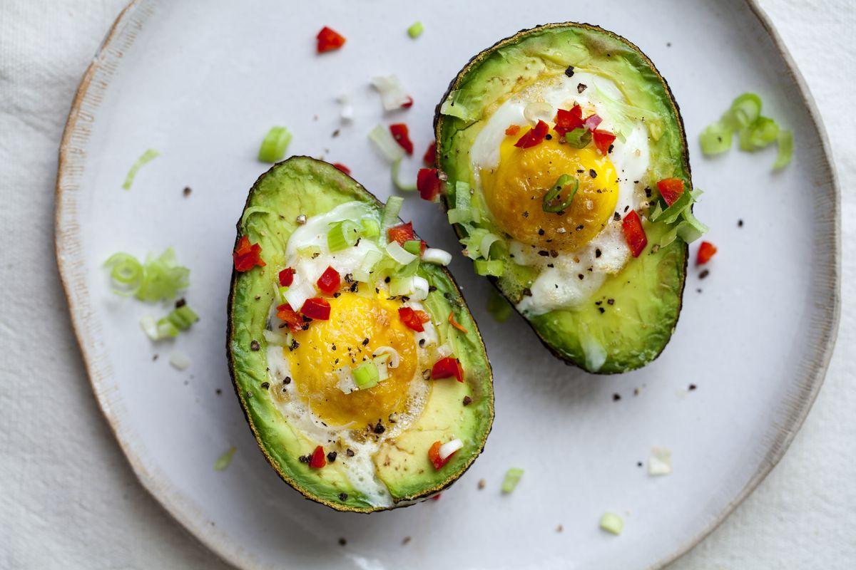 uovo e avocado al forno