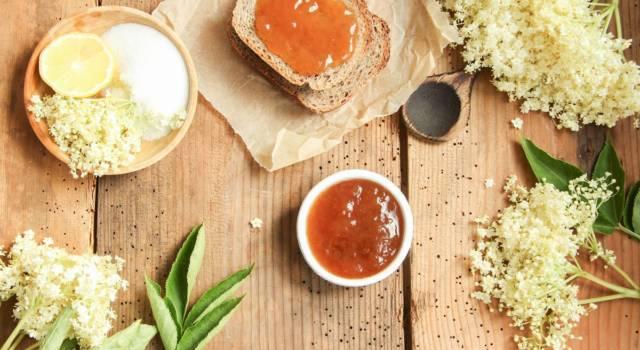 Marmellata con fiori di sambuco: una vera delizia per il palato