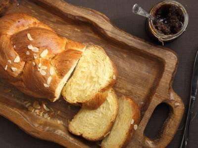 È una vera nuvola di dolcezza: prepariamo insieme il pan brioche
