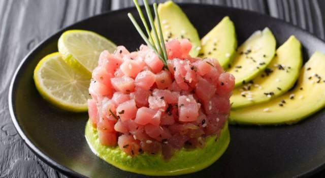 Tartare di tonno rosso con avocado e pistacchi