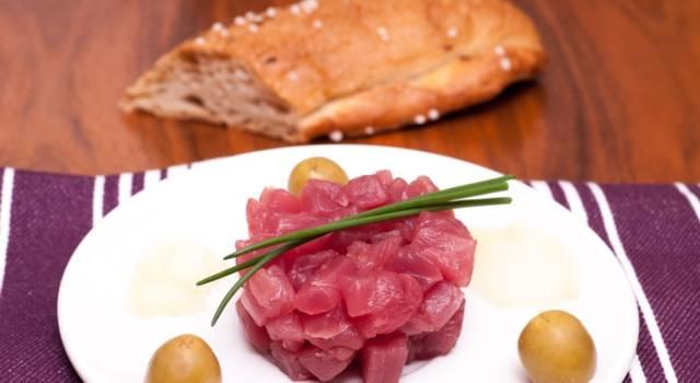 Tartare di tonno fresco allo zenzero con limone e arancia
