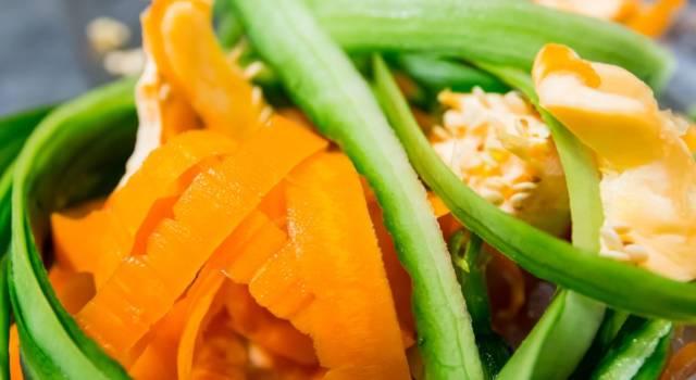 Vietato buttarle! Ecco come utilizzare le bucce di frutta e verdura