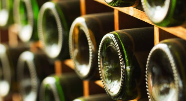 Perché le bottiglie di vino hanno il fondo concavo? Ecco 4 motivi