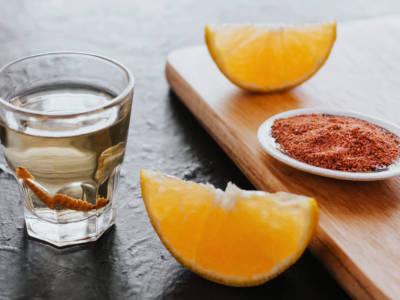 Mezcal, il distillato messicano ottenuto dall'agave