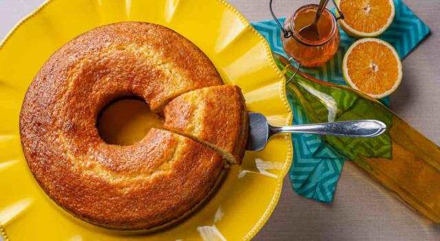 Arancia, carota e limone: il succo di frutta si trasforma nella torta ACE