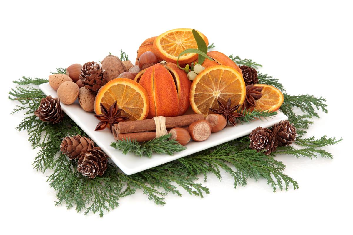 Centrotavola natalizio con la frutta