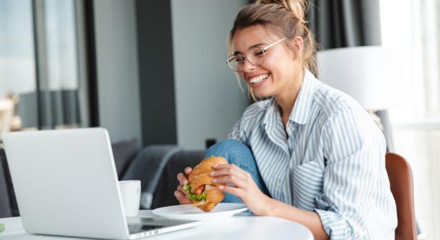 Dieta e smart working: come mangiare sano anche lavorando da casa