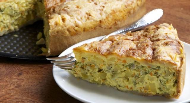 Torta svuotafrigo salata: nuova vita agli avanzi!