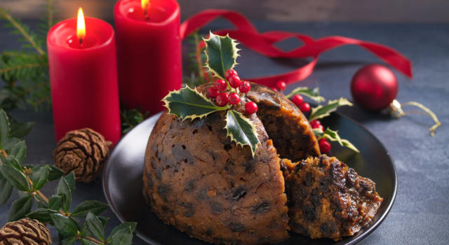 Per un Natale regale, preparate il Christmas Pudding della Regina Elisabetta II