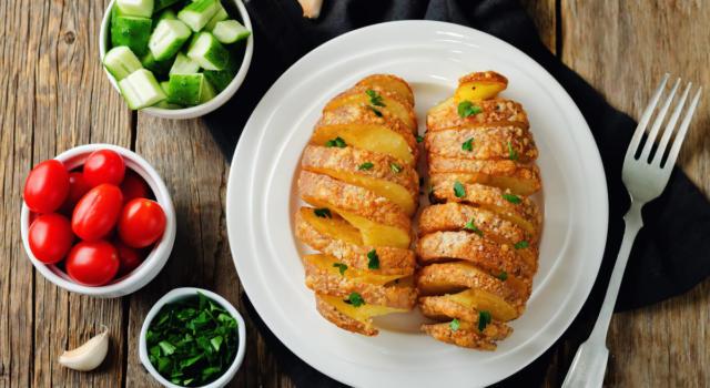 Le patate tornado sono uno snack sfizioso da preparare assolutamente!