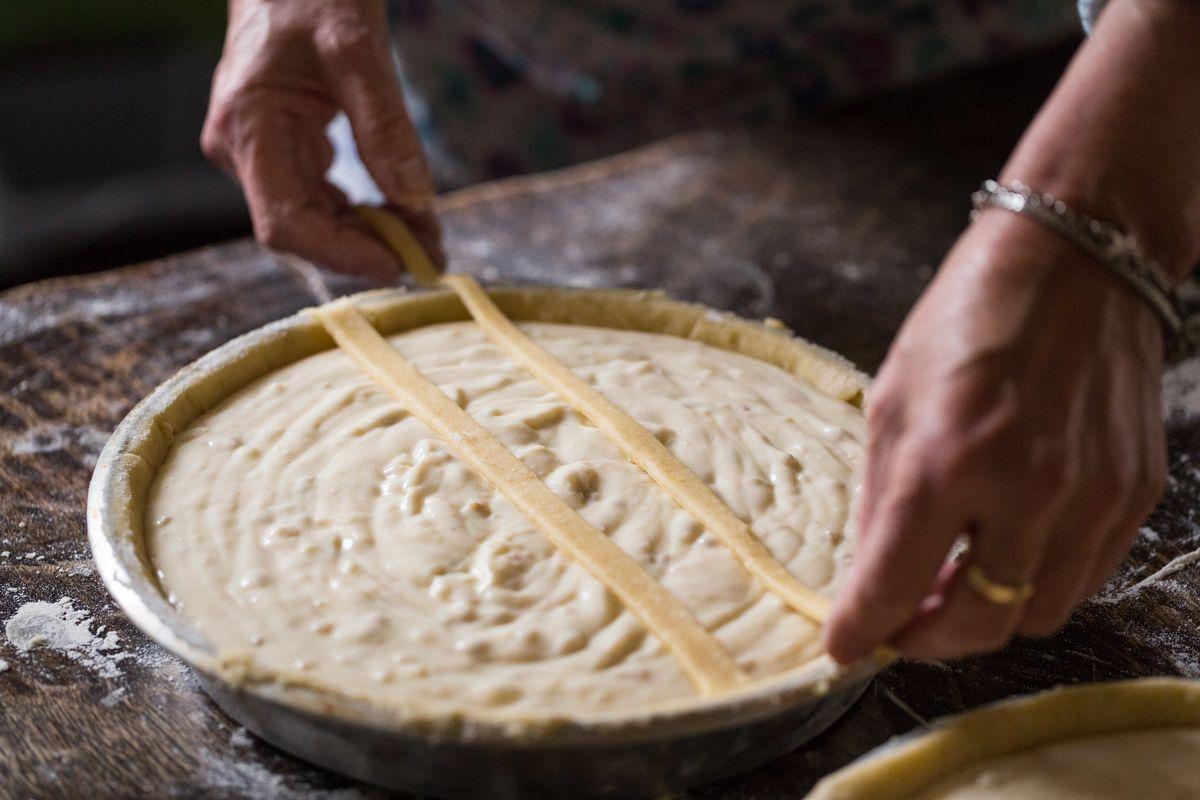 Decorare pastiera napoletana