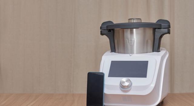 Monsieur Cuisine Connect: la Spagna ordina a Lidl di ritirare il robot da cucina
