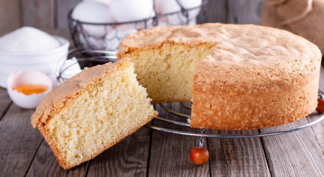 Torta soffice, un dolce semplice pronto in 10 minuti