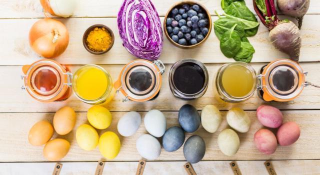 Uova colorate: la ricetta perfetta per Pasqua
