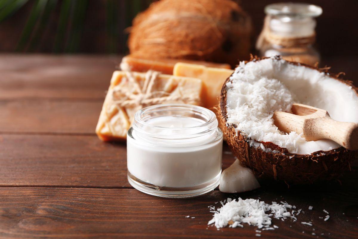 Burro di cocco nella cosmesi