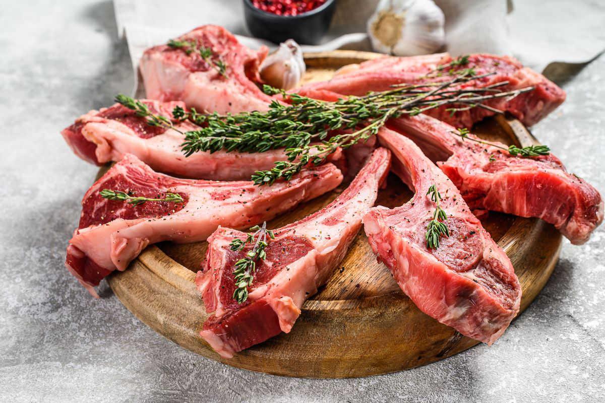 Marinare carne di agnello