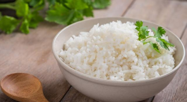 Diamo dignità al riso in bianco: ecco come renderlo delizioso