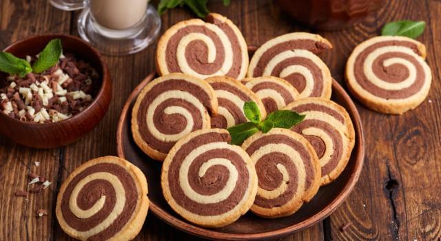 Biscottini bicolore: provateli per un tè con le amiche