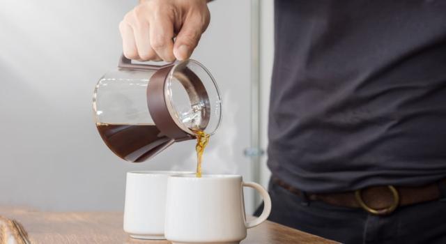 Caffè americano: cos'è davvero e come farlo in casa (anche senza macchina)