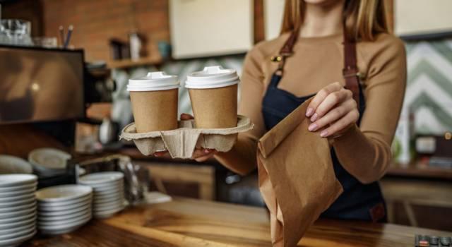 Caffè al banco: si può bere o si rischia la multa?