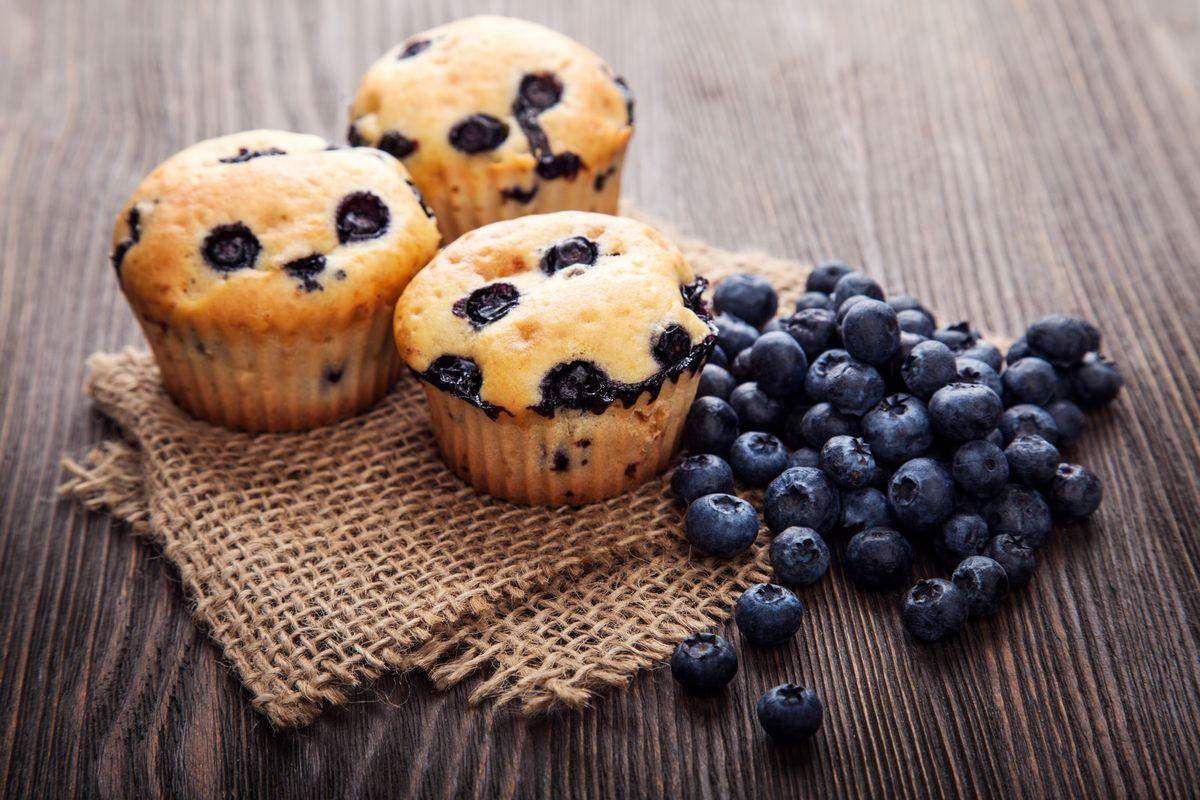 Muffin vegani al latte di soia e mirtilli