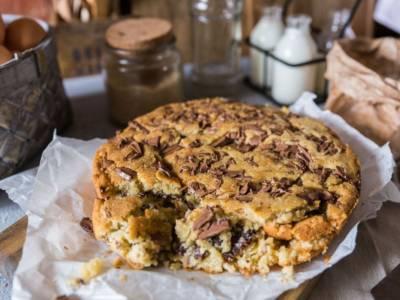 Torta stracciatella: un dolce perfetto anche per riciclare il cioccolato avanzato