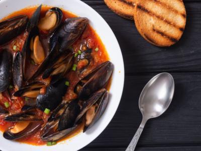 Zuppa di cozze: la ricetta napoletana del Giovedì Santo
