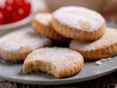Friabili e perfetti per la colazione, ecco i biscotti senza lievito