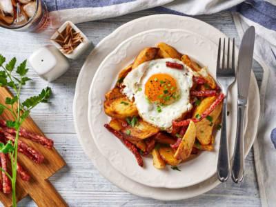 Uova rotte: le huevos rotos sono un piatto spagnolo davvero speciale