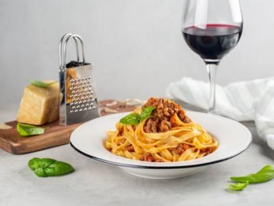 Profumo e sapore di tradizione con le tagliatelle alla bolognese