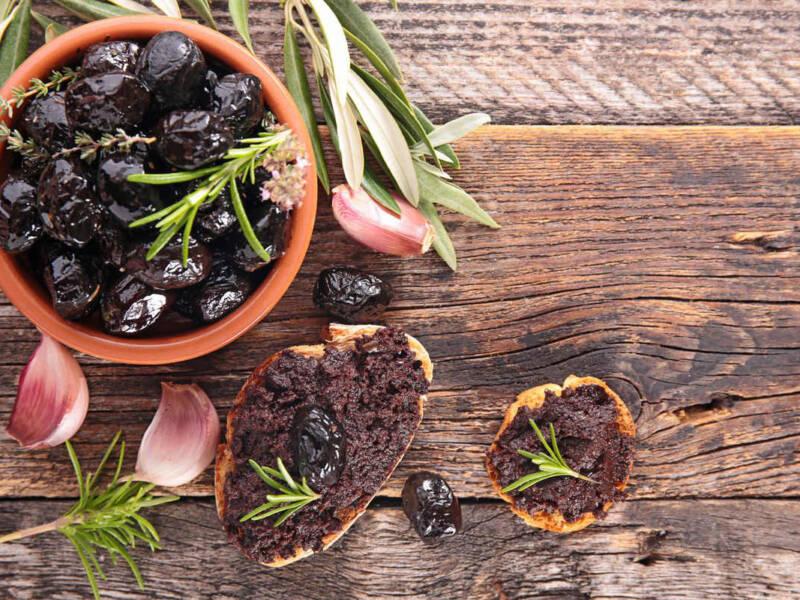 Tutto si può friggere, anche le olive: ecco la ricetta pugliese delle olive fritte!