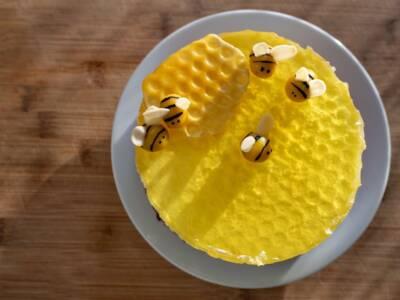 Torta alveare: la ricetta originale della cheesecake al miele