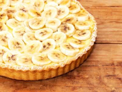 Crostata di banane: la ricetta originale con la pasta frolla cotta alla cieca