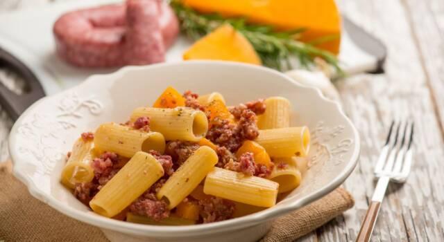 Irresistibile e goduriosa la nostra pasta zucca e salsiccia