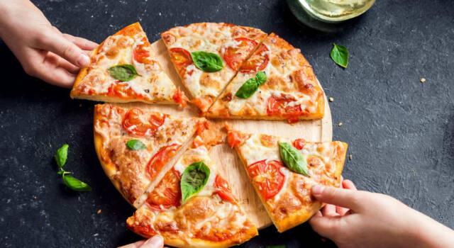 Pizza allo yogurt, la ricetta semplice e light senza lievitazione