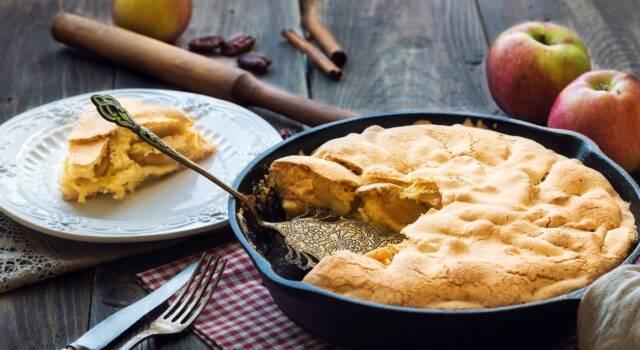 Cercate un dolce senza forno? Ecco la torta di mele in padella