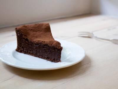 Non è una torta e neanche una mousse: è la ricetta della torta mousse al cioccolato!