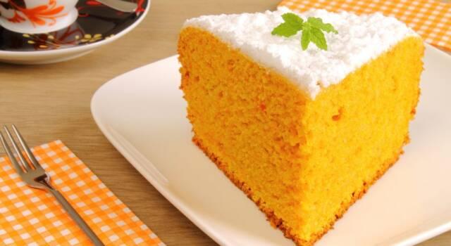 Soffice, profumata e deliziosa: stiamo parlando della torta zucca e mandorle