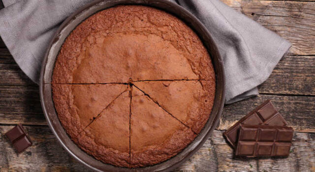 Avete poco tempo? Provate la torta al cioccolato in 5 minuti