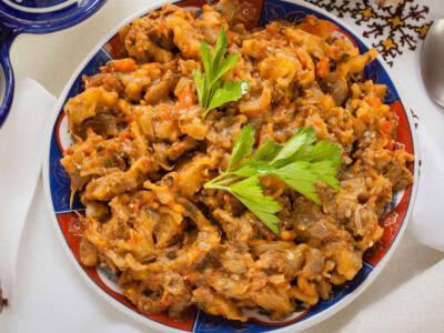 Proviamo un delizioso piatto della cucina marocchina: lo zaalouk di melanzane