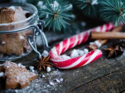 Sapete che i bastoncini di zucchero si possono preparare in casa?
