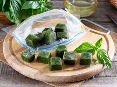Cubetti di basilico: come conservare la pianta aromatica in due mosse