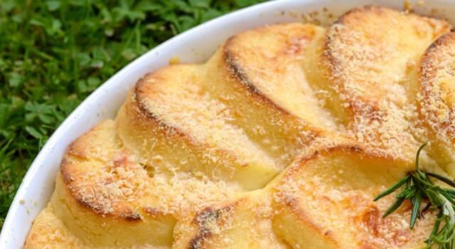 Come fare gnocchi alla romana: la ricetta originale del semolino gratinato al forno