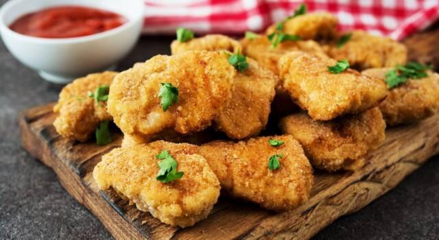 Nuggets di pollo: prepariamo le saporite pepite di carne fritte