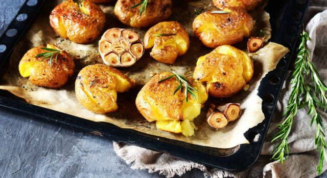 Non provate a resistere alle patate schiacciate